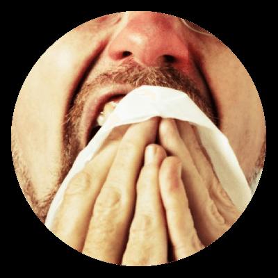 Czerwony nos spowodowany katarem alergicznym.